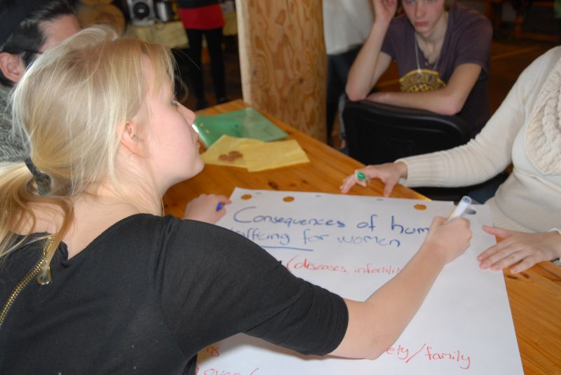 Nodarbība - Ko Tu zini par cilvēku tirdzniecību?