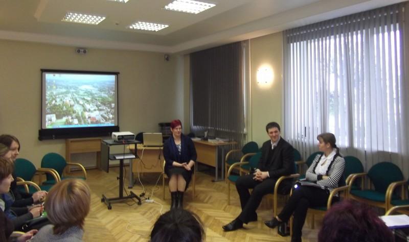 Дискуссия о торговли людьми в муниципалитете Резекне.