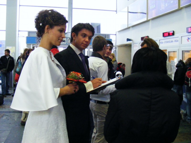Кампания против торговли людьми Фиктивный брак - ловушка, Убежище Надежный дом, Надежный дом, торговля людьми, рабство, фиктивный брак, принудительная работа, работорговля, волонтеры, добровольная работа, Patvērums Drošā Māja