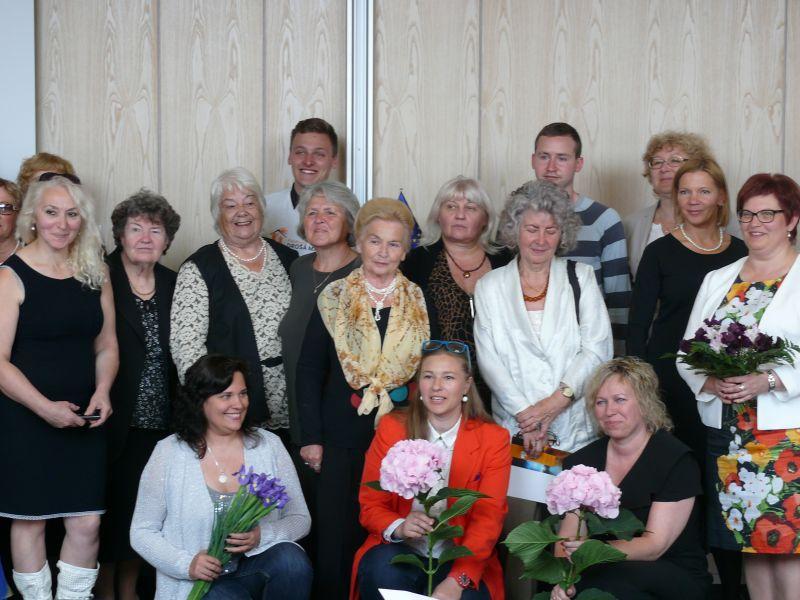 Priekšējā rindā - Rasa Saliņa, Diāna Rotaru, Gunta Vīksne
