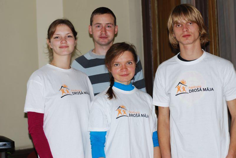Biedrības brīvprātīgie