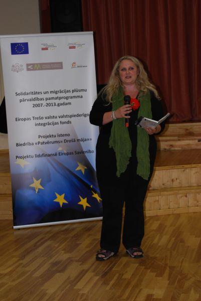 Uzrunu saka Maija Pohodņeva.
