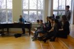 Forumteātra nodarbība Rīgas Juglas vidusskolā   Patvērums Drošā Māja