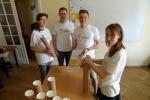 Brīvprātīgie piedalās Uzticības tālruņa popularizēšanas aktivitātēs   Patvērums Drošā Māja